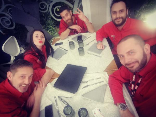 Team Answers Italia MECSPE 2019 - Dinner Time